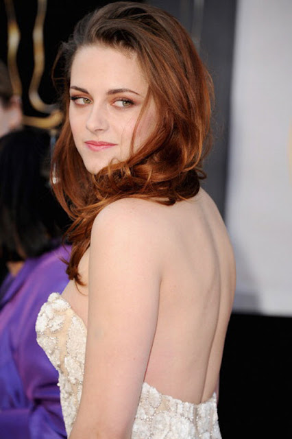 Kristen Stewart Hot at 85th Annual Academy Awards  6 Pics