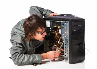 diaforetiko.gr : 1 Άνοιξε τον υπολογιστή του μετά από καιρό για να τον καθαρίσει και έπαθε σοκ με αυτό που αντίκρυσε!!