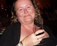 Payudara Alison Chapman Meledak Pasca Dibesarkan