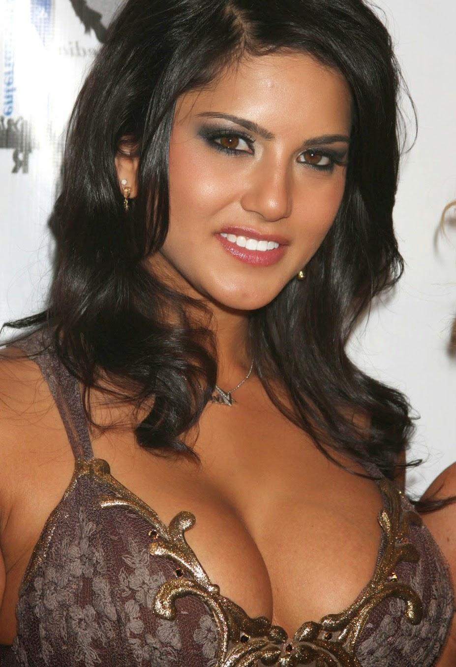Sunny Leone Wallpapers, Sunny Leone Pics, Sunny Leone boobs