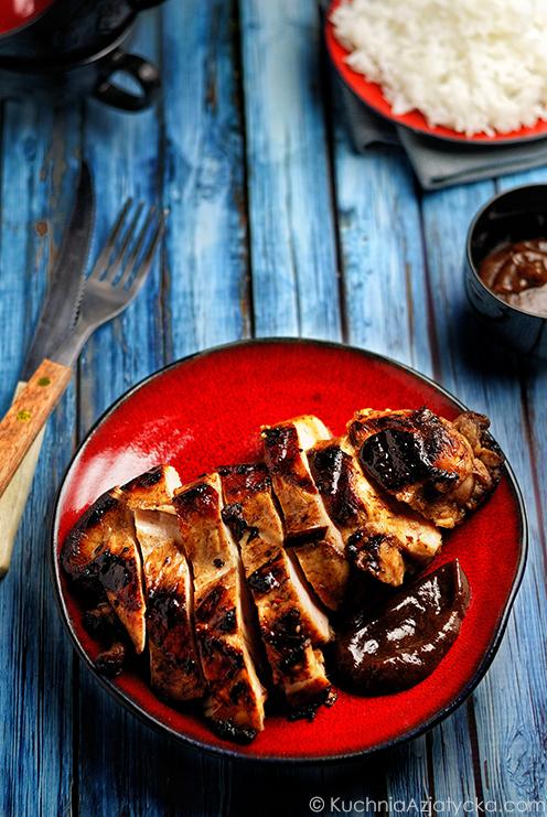 Grillowany kurczak w przyprawie pięciu smaków z sosem tamarandowym © KuchniaAzjatycka.com
