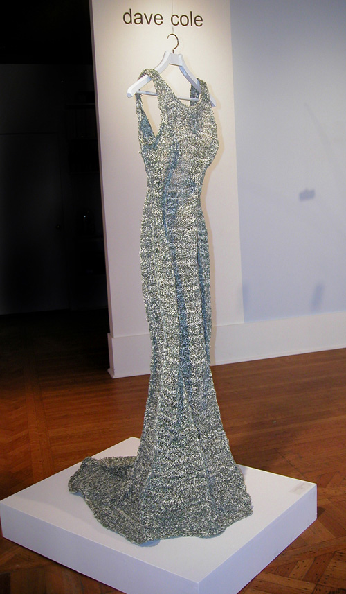 """The Money Dress"" el vestido cosido a partir de casi 1.000 billetes de $1"