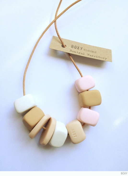 BOXY Neutral Territory necklace