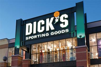 c5dfb6131 Dick então usou o dinheiro e sua ética de trabalho incansável para abrir  uma pequena loja em Binghamton no ano de 1948. O estabelecimento vendia  tudo que um ...