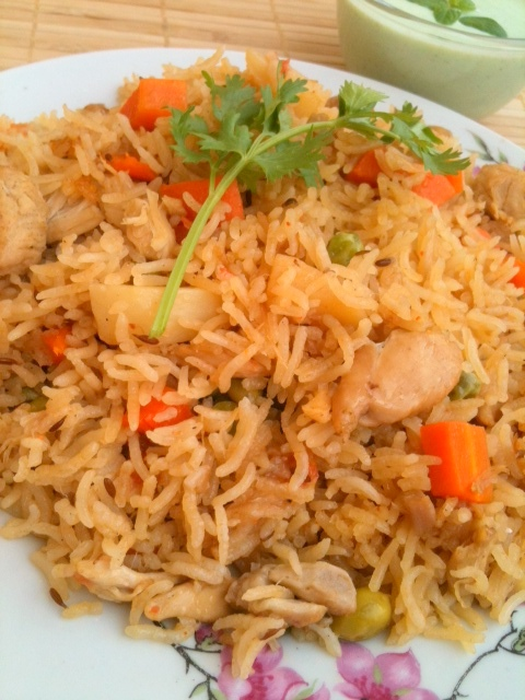 Mix Veggies & Chicken Pulao