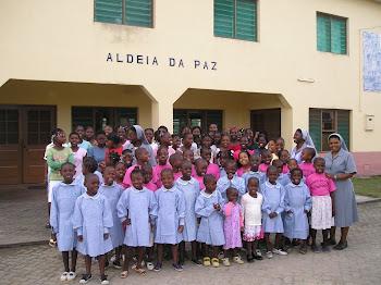 Leilão 2 - As meninas da Aldeia da Paz