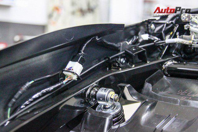 Mổ xẻ mẫu xe tay ga Honda Air Blade 2016