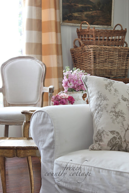 white slipcovers french country cottage. Black Bedroom Furniture Sets. Home Design Ideas