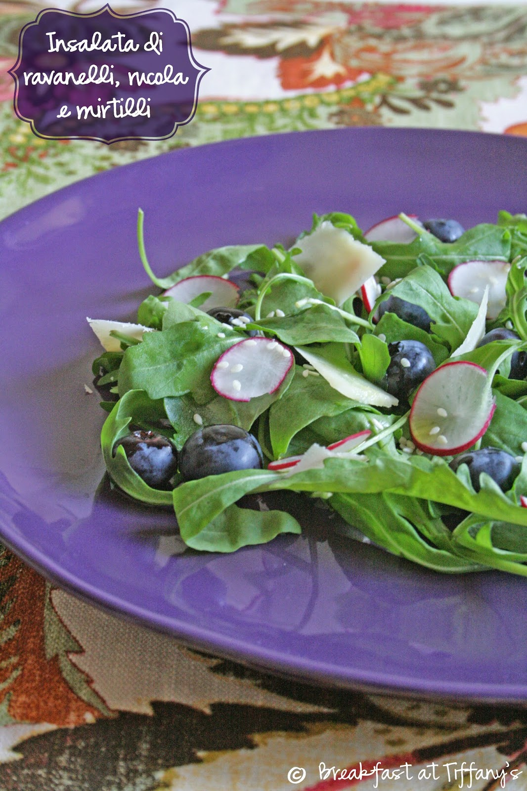 Insalata di ravanelli, rucola e mirtilli / Radishes, arugula and blueberries salad