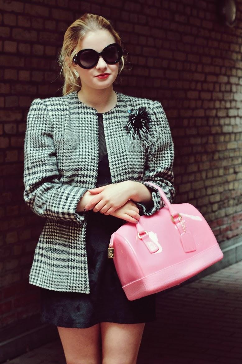 pisidia bag, pisidia Glam'n'Sweet bag, prada baroque sonnenbrille schwarz, overkneestiefel mit minirock kombiniert, wintertrend overkneestifel und minirock