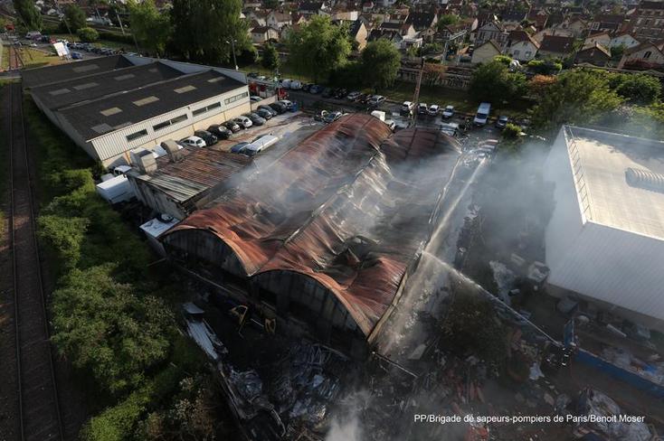 Sapeur pompier une passion feu de garage 27 05 2013 for Garage flagez montigny le roi incendie