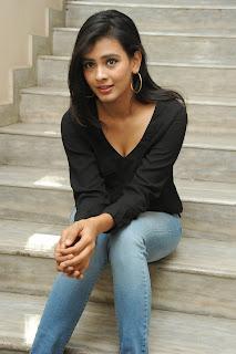 Hebah Patel glamorous Pictures in black 008.jpg
