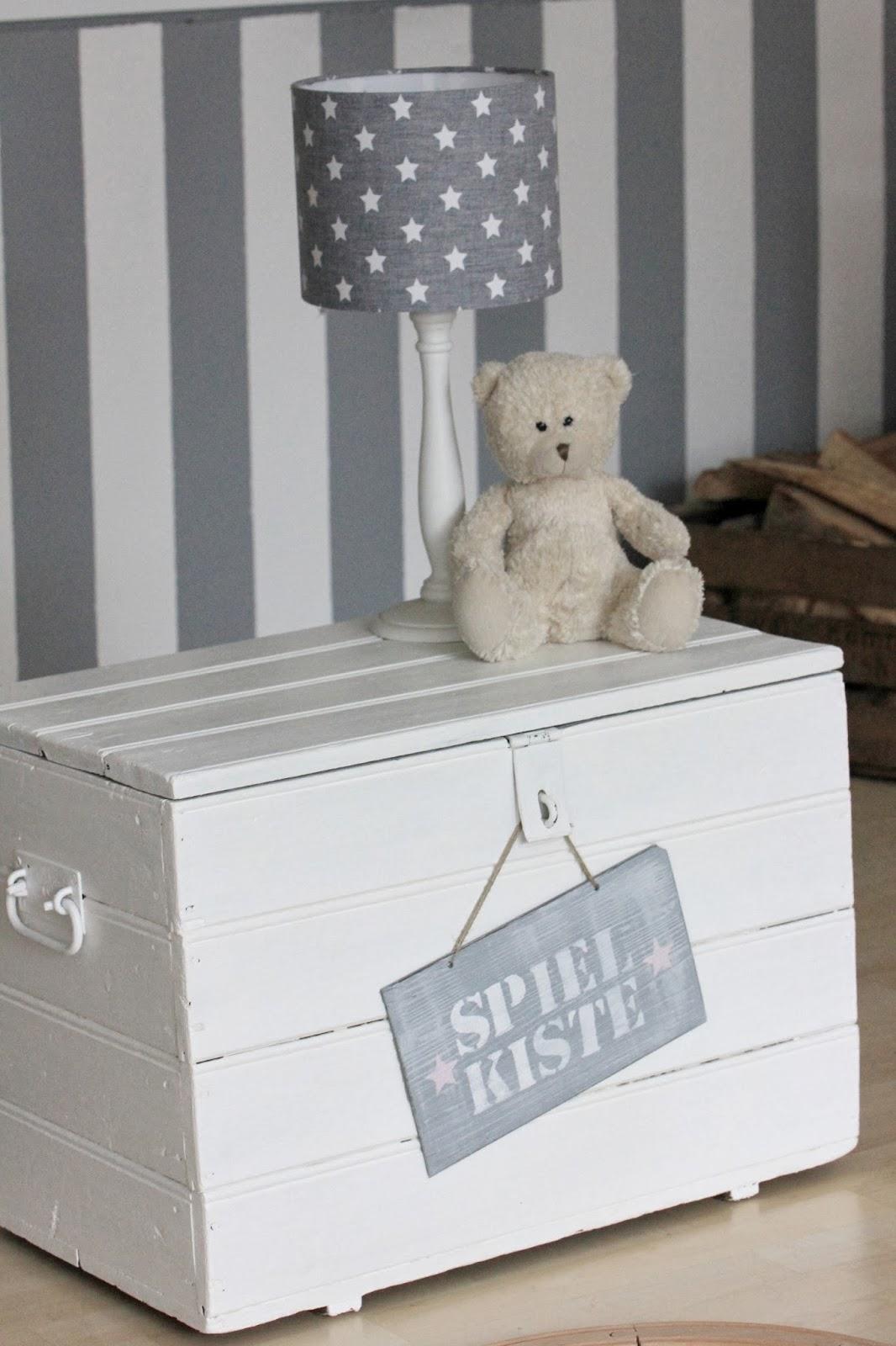 fr ulein lampe schilder diy. Black Bedroom Furniture Sets. Home Design Ideas