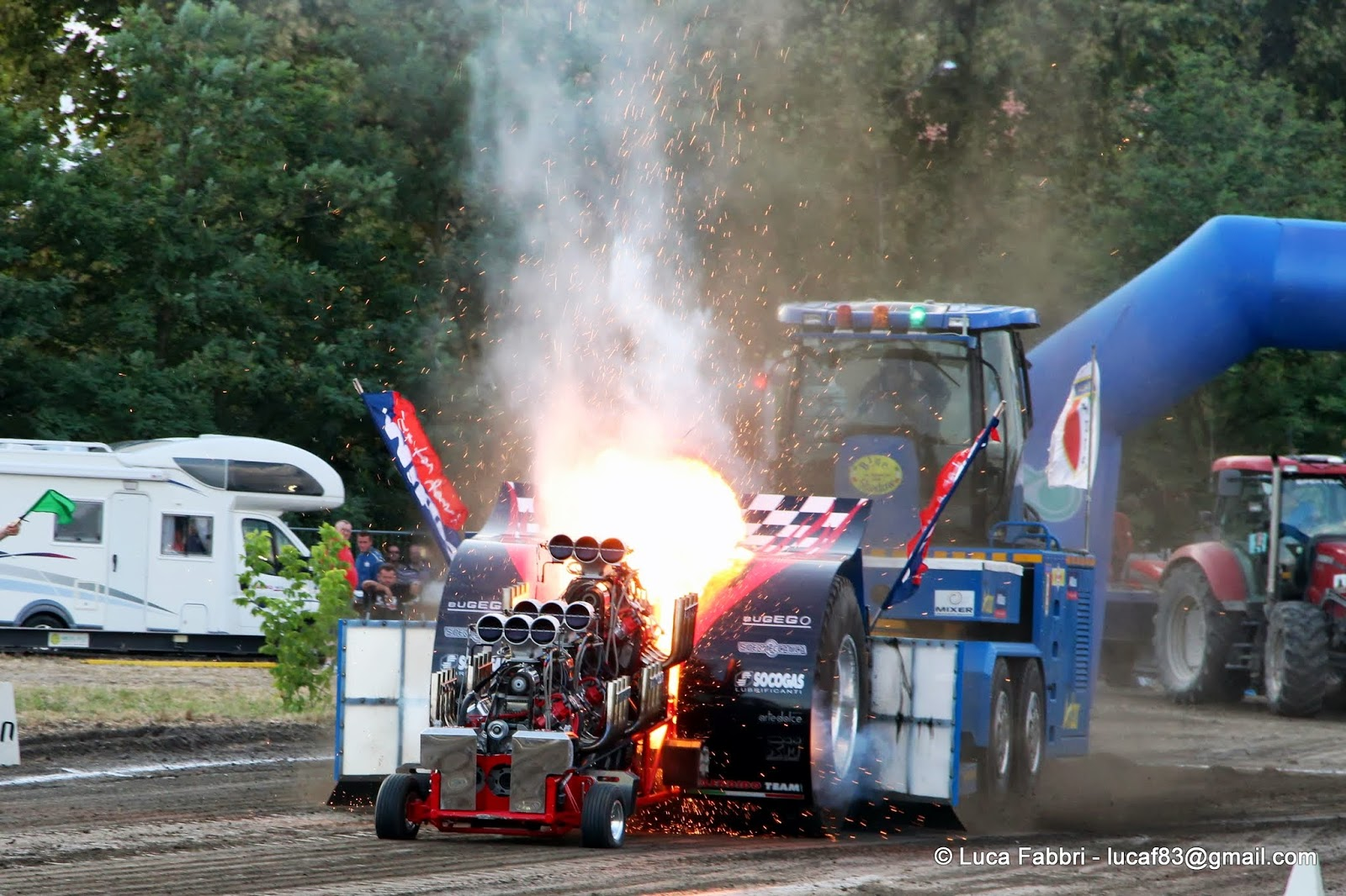 Tractor Pulling Accidents : Tractor pulling news pullingworld fitp sotaspirit