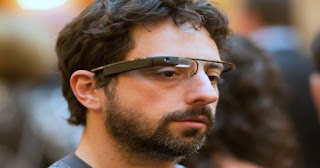 World's top two social networking websites Facebook and Twitter both unveiled especially designed applications for Google Glass.