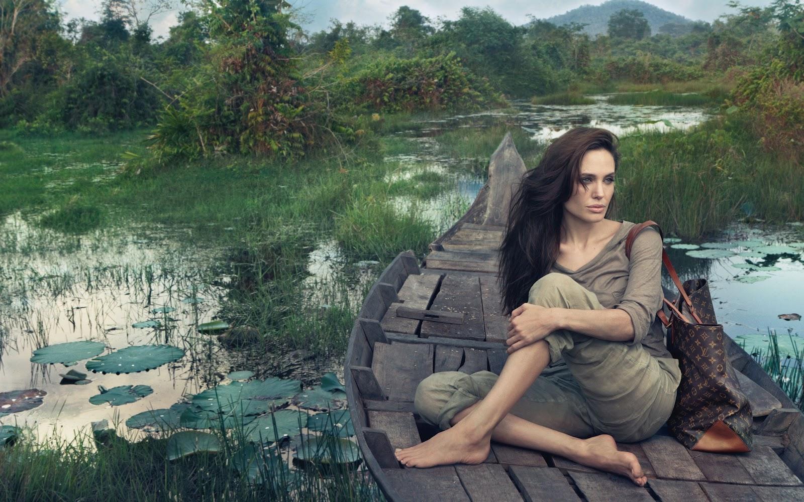 http://4.bp.blogspot.com/-u7kbHnROeSE/T257DTCNfFI/AAAAAAAAQh8/I8tdMjPCZGk/s1600/Angelina+Jolie+HD+Wallpaper-6.jpg