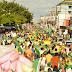 Milhares de pessoas participam de protesto em Feira de Santana