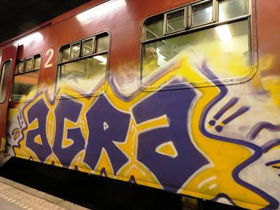 quiet and lola graffiti train