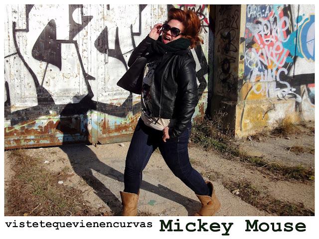 Me ha poseído Mickey Mouse...