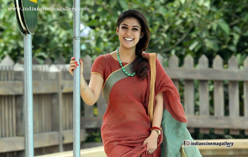 Nayanthara latest hot photos in saree from Bhaskar the rascal