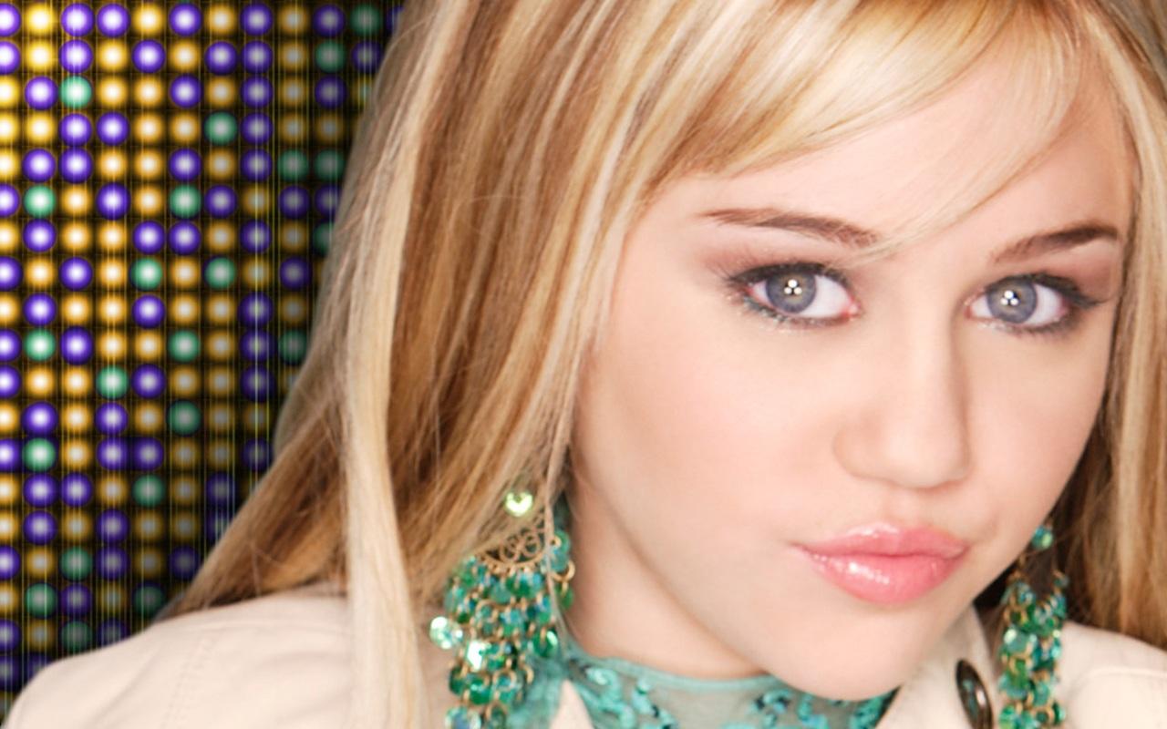 Miley Cyrus desnuda Videos Porno - haztepajascom