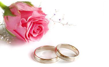 """ساعد زوجتك على عبور """"سنة أولى جواز"""" بالحب والصبر  - خاتم الزواج الخطوبة - روز - وردة زهرة وردية - mariage - wedding rings - rose"""
