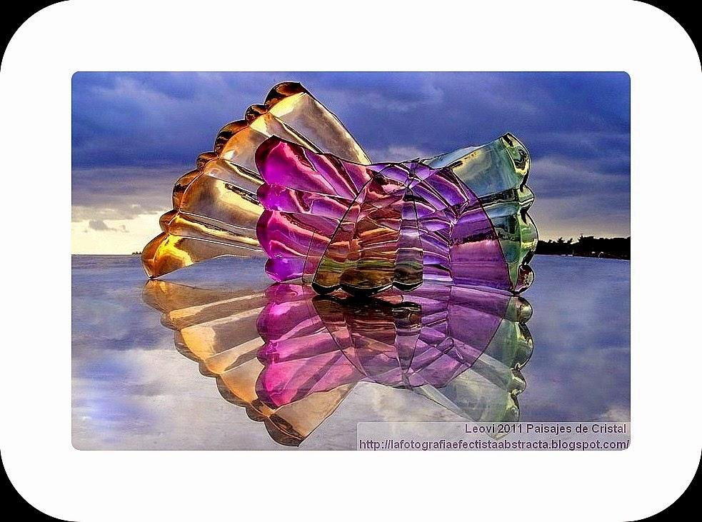 Abstract Photo 3138 Crystal Landscape 157  You and I are the same smile - Tú y yo somos la misma sonrisa