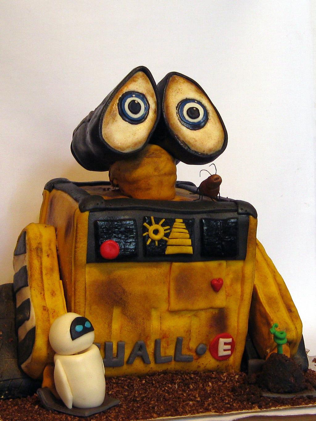 After Yet Another Long Cake Break I Got Asked If Could Make A Wall E For Birthday Party Love Making These Types Of Cakes Well All