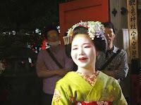 舞妓の富津愈さん、通訳ご苦労さんでした。