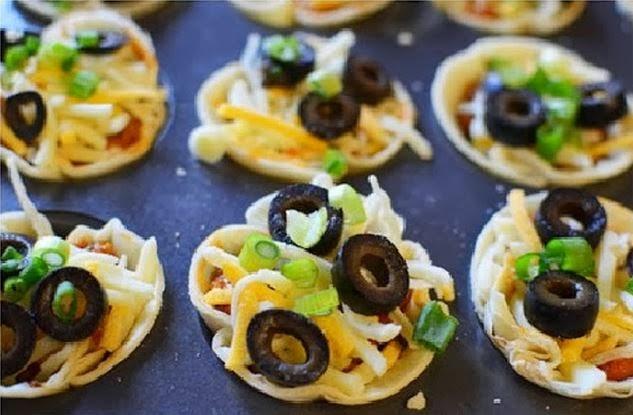 DIY Mini Mexican Pizzas - The Idea King