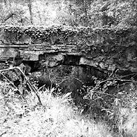 Detall del canal de l'aqüeducte. Autor: Joan Tous Casals. Desembre de 1982