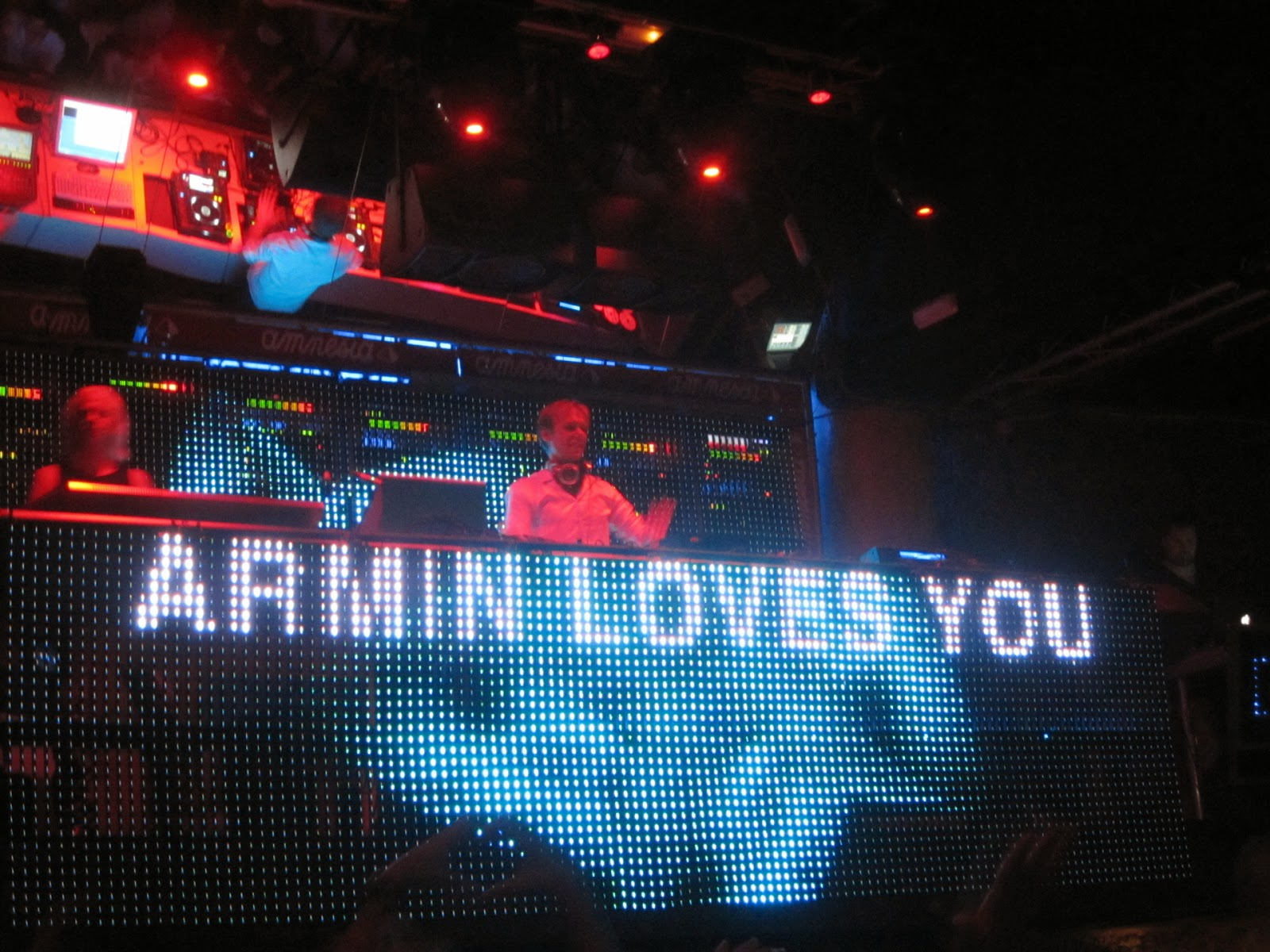 http://daily-beat.com/armin-van-buuren-pier-36-4-hour-set-download/