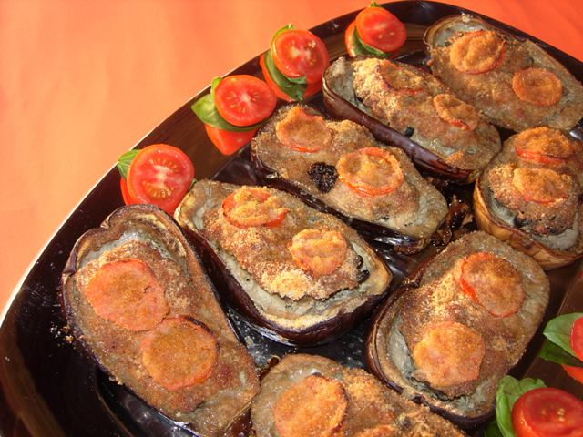 il motivo? - melanzane ripiene di carne alle olive