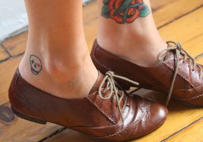 Mẫu hình xăm nhỏ đẹp ở chân cho nữ 10