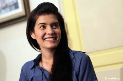 Gambar wanita Tercantik Indonesia Carissa Putri