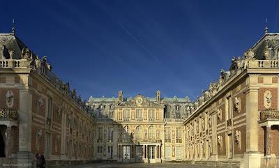 Chateau-de-Versailles-Palace-of-Versailles-France-travel