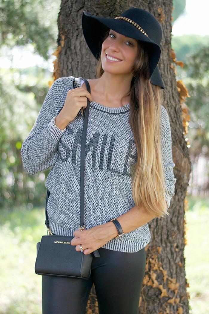 maglione con scritta