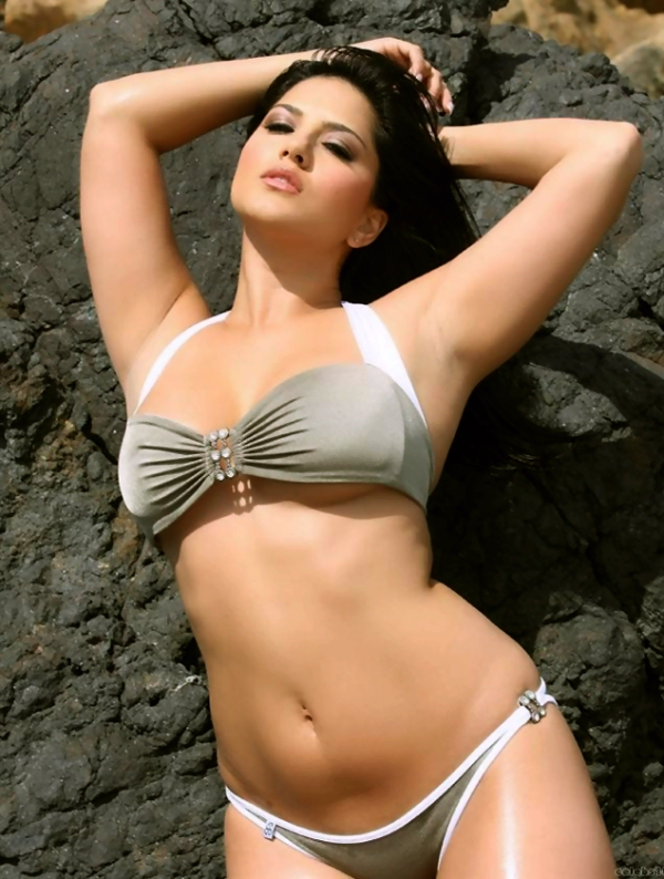 The Wallpapers: Sunny Leone
