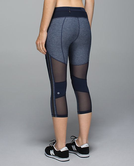 lululemon mesh with me crop