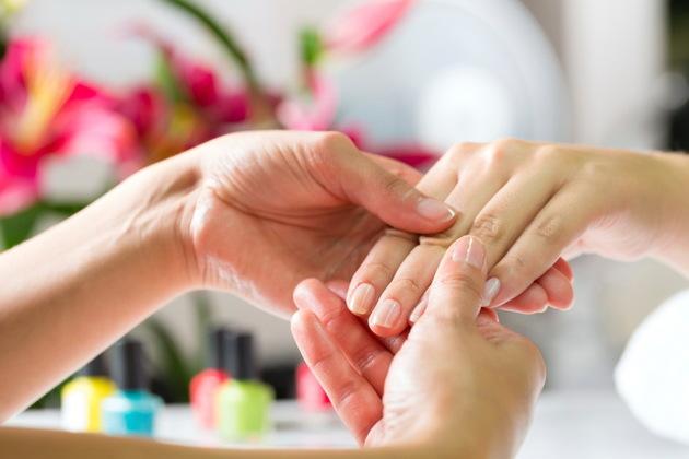 nails Nails em Split causas e prevenção