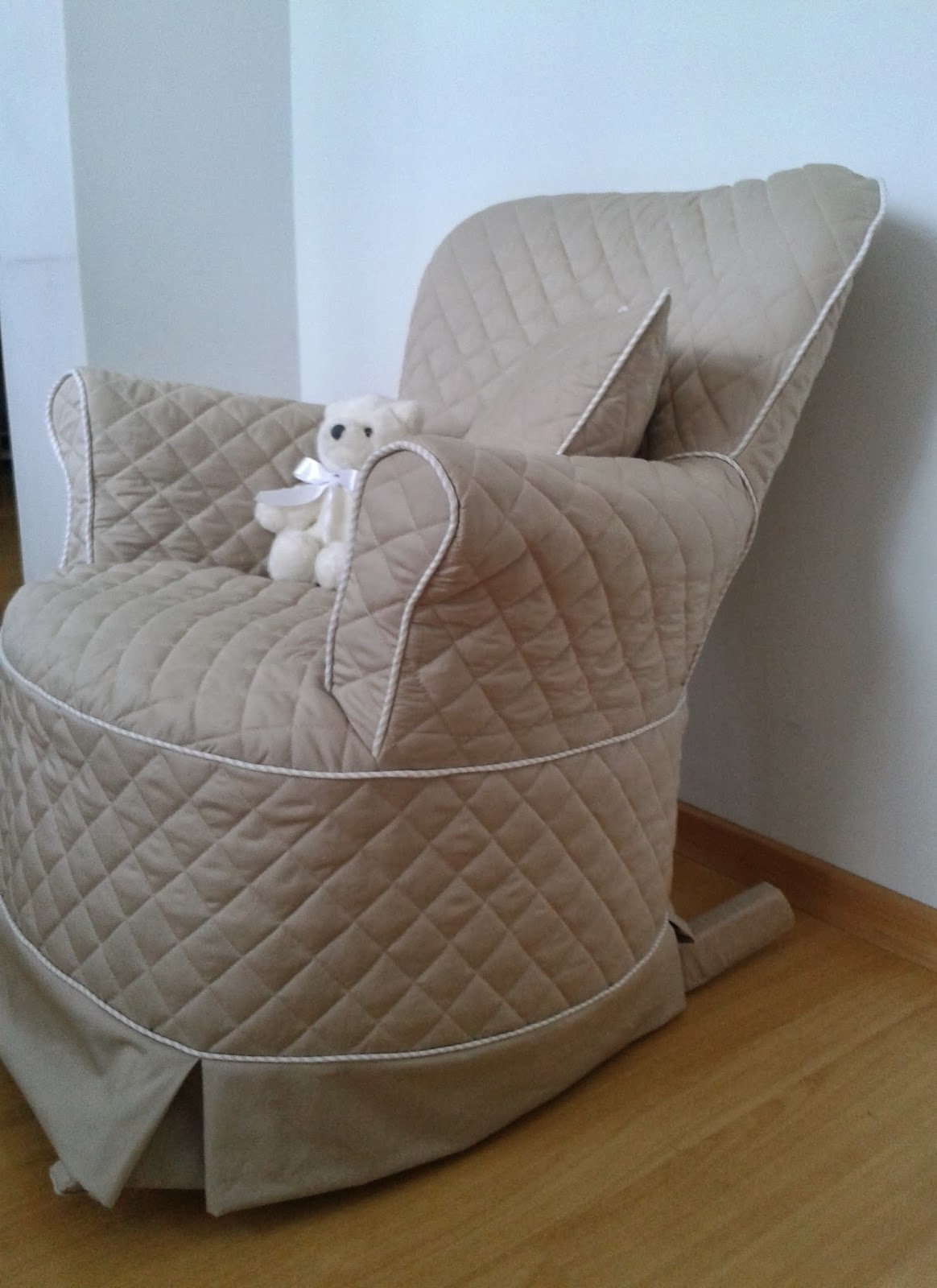 Tissu: Mais uma entrega capa da cadeira de amamentar do Lorenzo #3C678F 1164x1600
