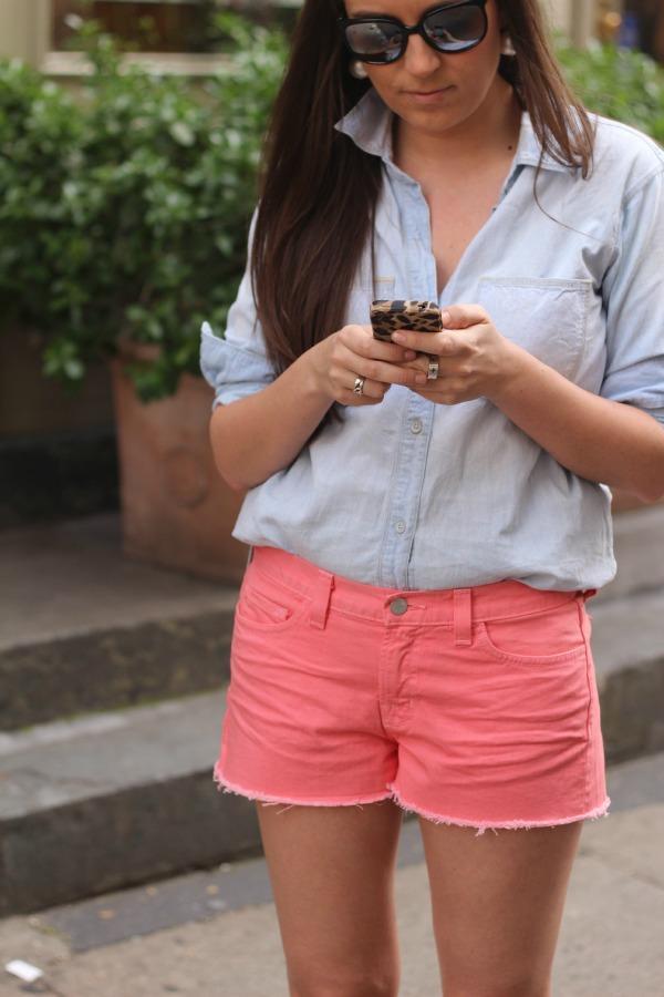 Uma Vida Perfeita: Shorts jeans colorido para o verão 2013