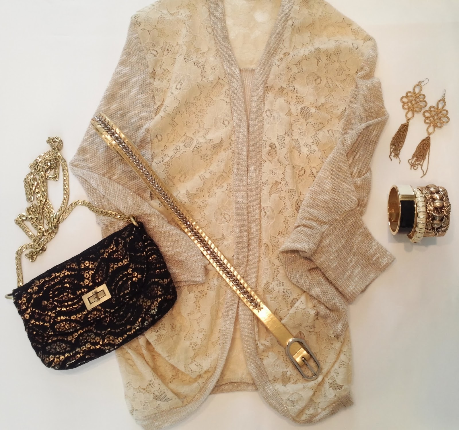 blog.oanasinga.com-outfit-ideas-personal-style-photos-wearing-lace-black-grey-gold-layering-gold-accessories-3