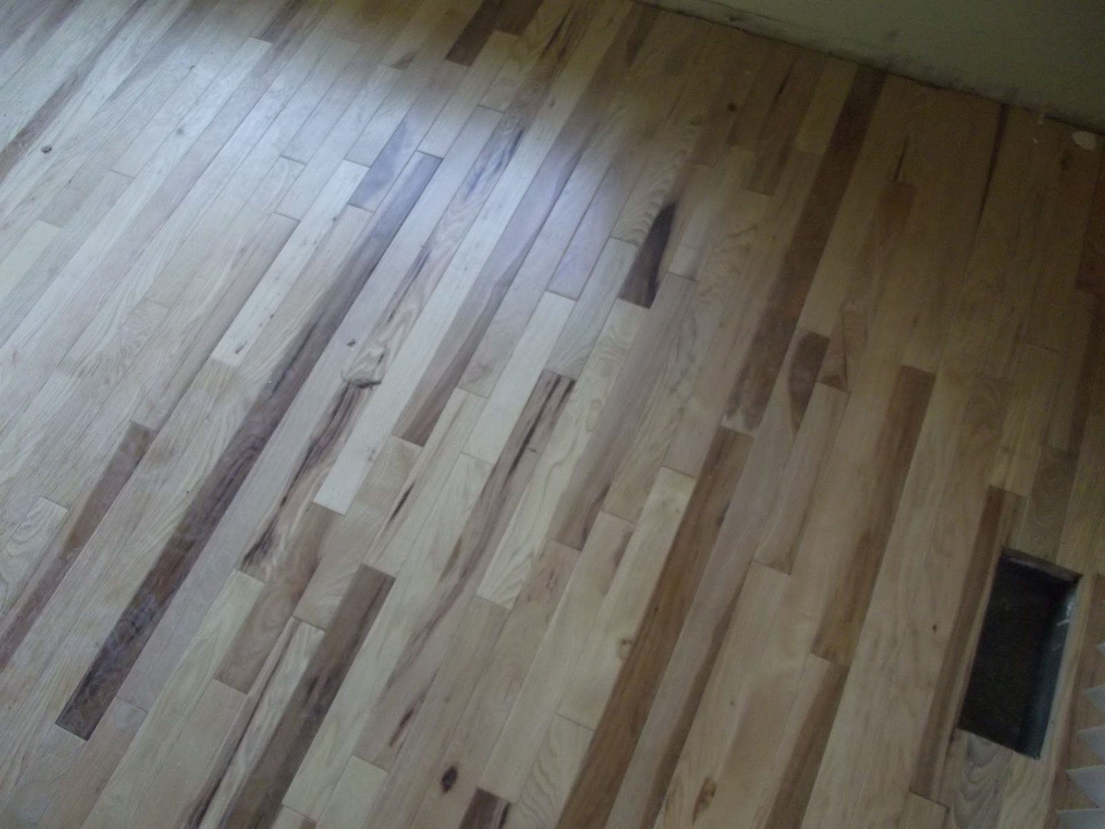 Hickory hardwood flooring sale 2 1 4 prefinished for Prefinished flooring