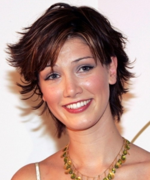 Delta Goodrem Short Shag Hairstyles 2014