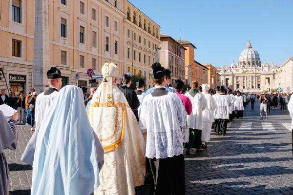 Tradinews paix liturgique le 4e p lerinage summorum - Bruit de la pie ...