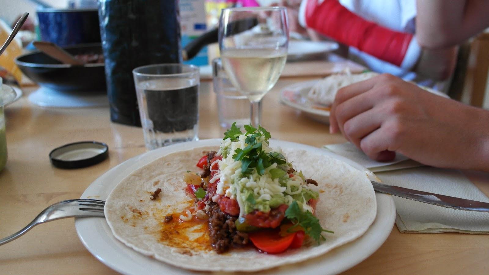 Kesäruokaa: tortilloja ja valkoviiniä - www.blancdeblancs.fi