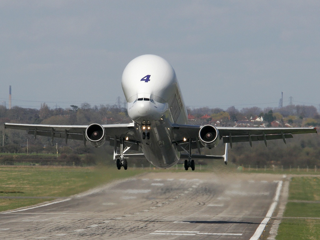 http://4.bp.blogspot.com/-uCQ9pGfbEpI/UMfVO57jFzI/AAAAAAAANeM/WU3sIpxGDAc/s1600/a300_supertransporter_takeoff.jpg