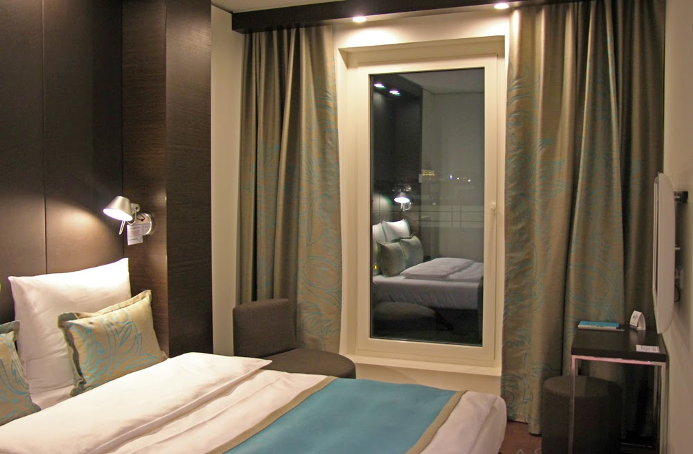anneliwest berlin design rundgang im motel one. Black Bedroom Furniture Sets. Home Design Ideas