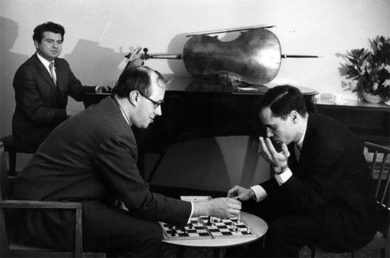 Le grand pianiste Emil Gilels, Mstislav Rostropovich, le violoncelliste et chef d'orchestre, et l'éminent violoniste Leonid Kogan.